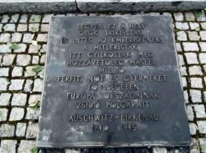 auswitz-birkenau_másfél_a_hat